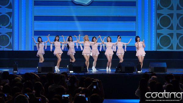 Tags: K-Pop, Oh My Girl, Arin, Mimi, Binnie, JinE, Kim Jiho, Choi Hyojung, Hyun Seunghee, Yooa, Dancing, Pink Dress