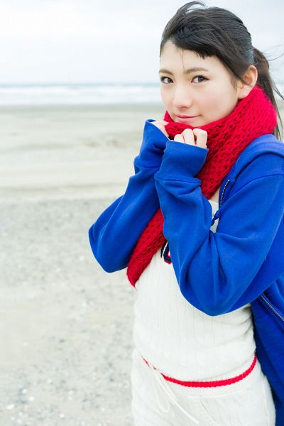 Tags: J-Pop, AKB48, Okada Nana, White Shorts, Ponytail, Blue Jacket, Shorts, Scarf