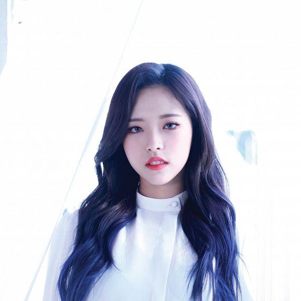 Olivia Hye - LOOΠΔ
