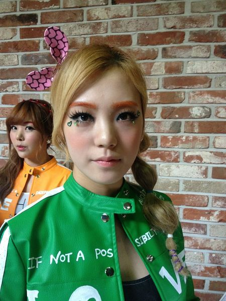 Tags: K-Pop, Orange Caramel, After School, Lipstick (Orange Caramel), Rain (Singer), Lizzy