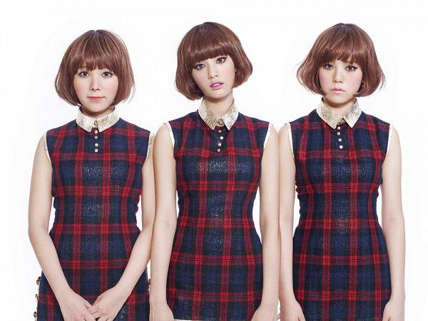 Tags: K-Pop, Orange Caramel, After School, Shanghai Romance, Nana, Lizzy, Raina, Checkered, Light Background, Wig, Three Girls, White Background