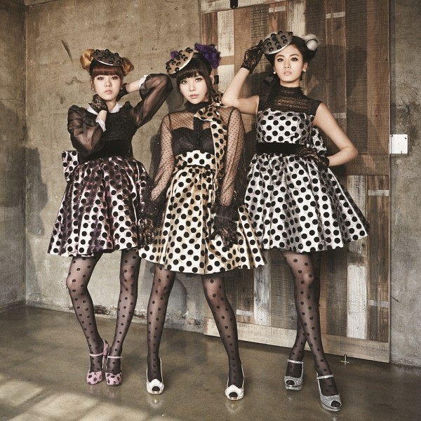 Tags: K-Pop, After School, Orange Caramel, Catallena, Lizzy, Raina, Nana, High Heels, Spotted, Gloves, Spotted Dress, Hand On Hip