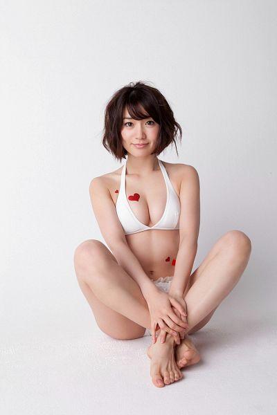 Tags: AKB48, Oshima Yuko, Bikini, Feet, Cleavage, Barefoot, Suggestive, No Background, Heart, Android/iPhone Wallpaper, Magazine Scan, Scan