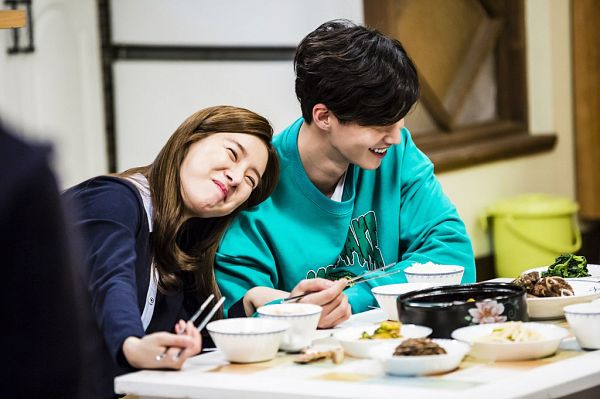 Tags: K-Drama, Kim So-eun, Song Jae-rim, Couple, Table, Stick, Duo, Head On Shoulder, Grin, Food, Chopsticks, Our Gap-soon