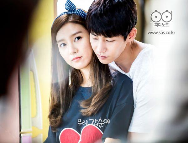 Tags: K-Drama, Kim So-eun, Song Jae-rim, Hairband, Hug From Behind, Duo, Black Shirt, Hug, Our Gap-soon