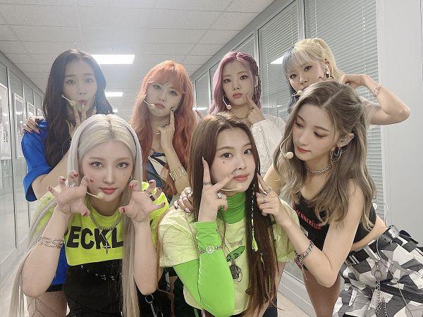 Tags: K-Pop, PURPLE K!SS, Park Jieun, Na Goeun, Swan, Yuki, Dosie, Chaein, Ireh