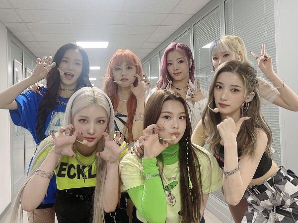 Tags: K-Pop, PURPLE K!SS, Park Jieun, Yuki, Dosie, Chaein, Ireh, Swan