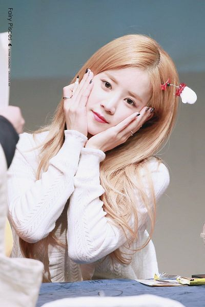 Tags: K-Pop, Apink, Park Cho-rong, Nail Polish, Ring, Pen, Make Up, Hand On Head, Head Tilt, Hand On Cheek, Sweater, Headdress