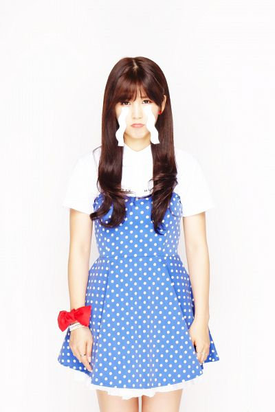 Tags: K-Pop, Apink, Park Cho-rong, Spotted, Crying, Bare Legs, Short Sleeves, Spotted Dress, Bracelet, Frown, Bow, Red Bow