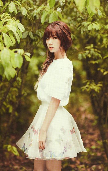 Tags: K-Pop, Apink, Park Cho-rong, Side View, Plant, White Dress, Serious, Tree, White Outfit, Android/iPhone Wallpaper, Apink 2016 Season's Greetings, Scan