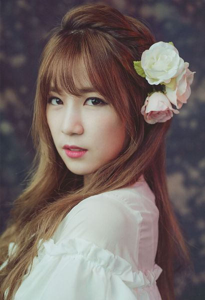 Tags: K-Pop, Apink, Park Cho-rong, Hair Flower, Flower, White Outfit, Serious, Close Up, White Dress, AJ Girls, Magazine Scan, Android/iPhone Wallpaper