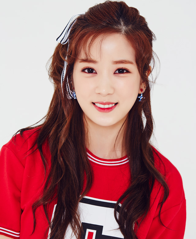 Tags: K-Pop, Apink, Summer Time, Park Cho-rong, Earrings, Light Background, Red Shirt, White Background, Short Sleeves, Standing, Jewelry, Simple Background