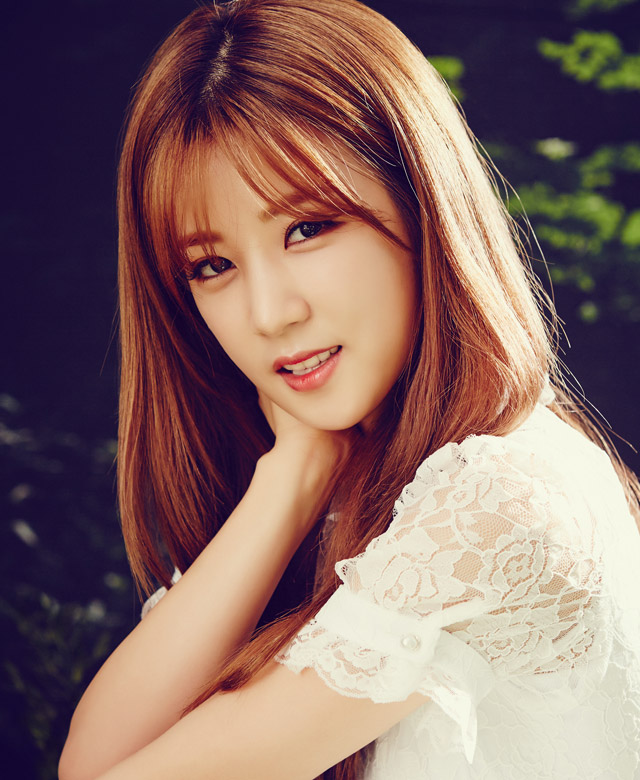 Tags: K-Pop, Apink, Brand New Days, Park Cho-rong, White Outfit, White Dress, Plant, Lace, Short Sleeves