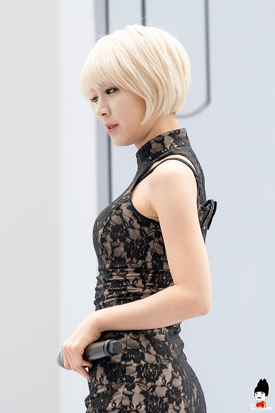 Tags: K-Pop, AOA (Ace Of Angels), Park Choa, Light Background, White Background, Side View, Black Dress, Black Outfit, Bare Shoulders, Doodoo