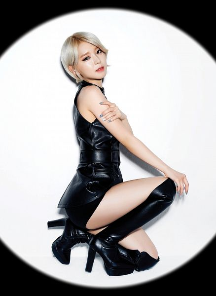 Tags: K-Pop, AOA (Ace Of Angels), Like A Cat, Park Choa, High Heeled Boots, Leather Shirt, Knee Boots, Nail Polish, Hand On Knee, Black Footwear, Boots, Hand On Leg