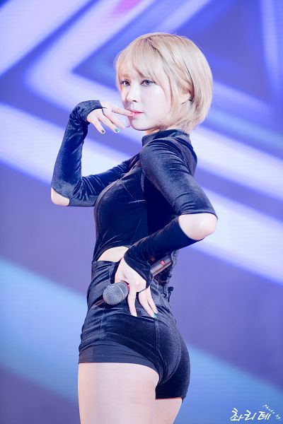 Tags: K-Pop, AOA (Ace Of Angels), Park Choa, Suggestive, Korean Text, Looking Away, Bare Legs, Make Up, Hand On Hip, Blue Background, Butt, Black Shorts