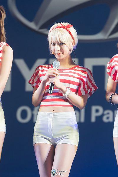 Tags: K-Pop, AOA (Ace Of Angels), Park Choa, Nail Polish, Hair Ornament, Striped Shirt, Striped, Red Lips, Bow, Midriff, White Shorts, Red Shirt