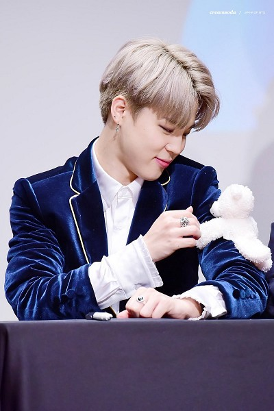Tags: K-Pop, BTS, Park Jimin, Blue Jacket, Table, Blue Outerwear, Stuffed Toy, Toy, Ring, Fansigning Event, Android/iPhone Wallpaper
