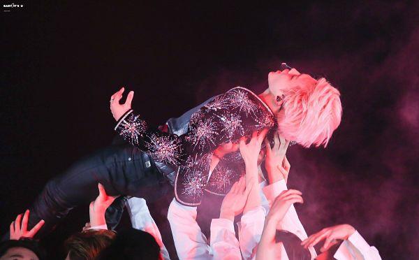 Tags: K-Pop, BTS, Lie (BTS), Park Jimin, Stage, Floral Print, Earbuds, Floral Jacket, Pink Hair, Wallpaper, HD Wallpaper