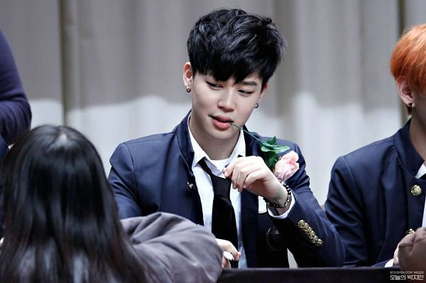 Tags: K-Pop, Bangtan Boys, Park Jimin, Tie, Mouth Hold, Rose (flower), Flower, Black Eyes, Black Neckwear, Blue Jacket, Blue Outerwear, Fansigning Event