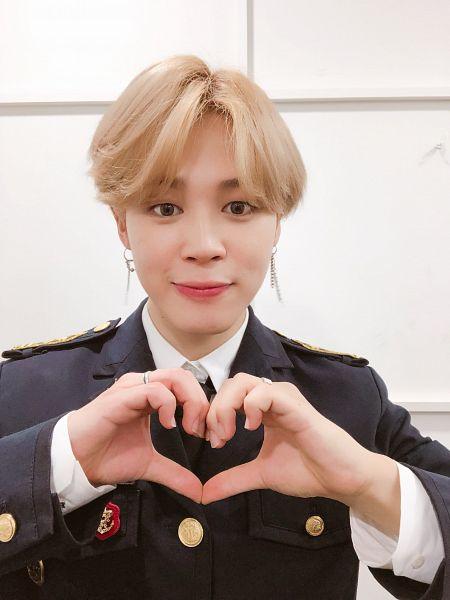 Tags: K-Pop, BTS, Park Jimin, Ring, Heart Gesture, Heart, Close Up, Twitter