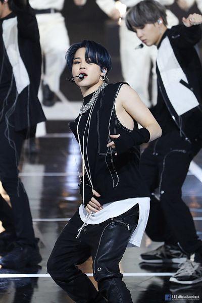 Tags: K-Pop, Television Show, BTS, ON, Park Jimin, Suga, Blue Hair, Text: URL, Belt, Bare Shoulders, English Text, Sleeveless Shirt