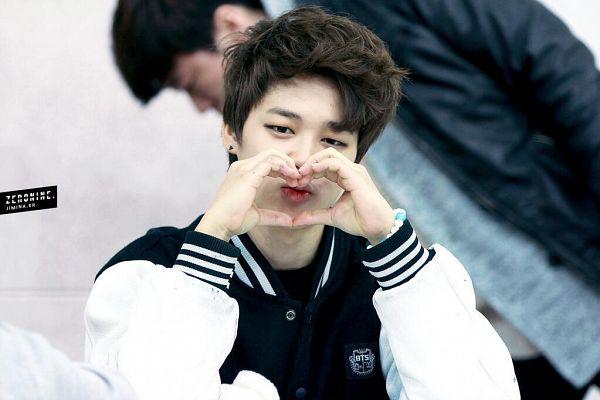 Tags: K-Pop, BTS, Park Jimin, Black Jacket, Black Outerwear, Heart Gesture, Bracelet, Zeronine