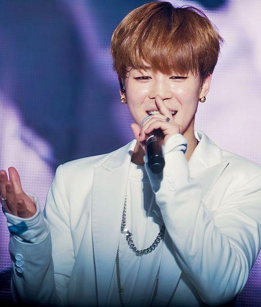 Tags: K-Pop, Bangtan Boys, Park Jimin, Earrings, Microphone, Teeth, Holding Object, White Jacket, Necklace