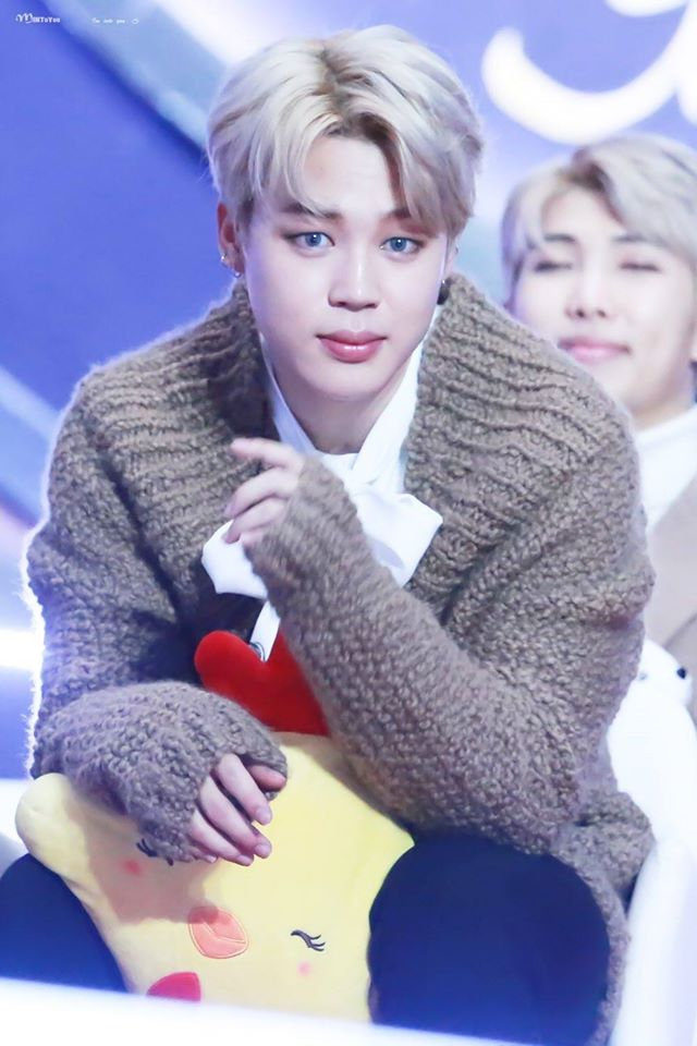Tags: K-Pop, BTS, Park Jimin, White Neckwear, Brown Shirt, Sitting On Chair, Contact Lenses, Sweater, Chair, Stuffed Animal, Bow, Stuffed Toy
