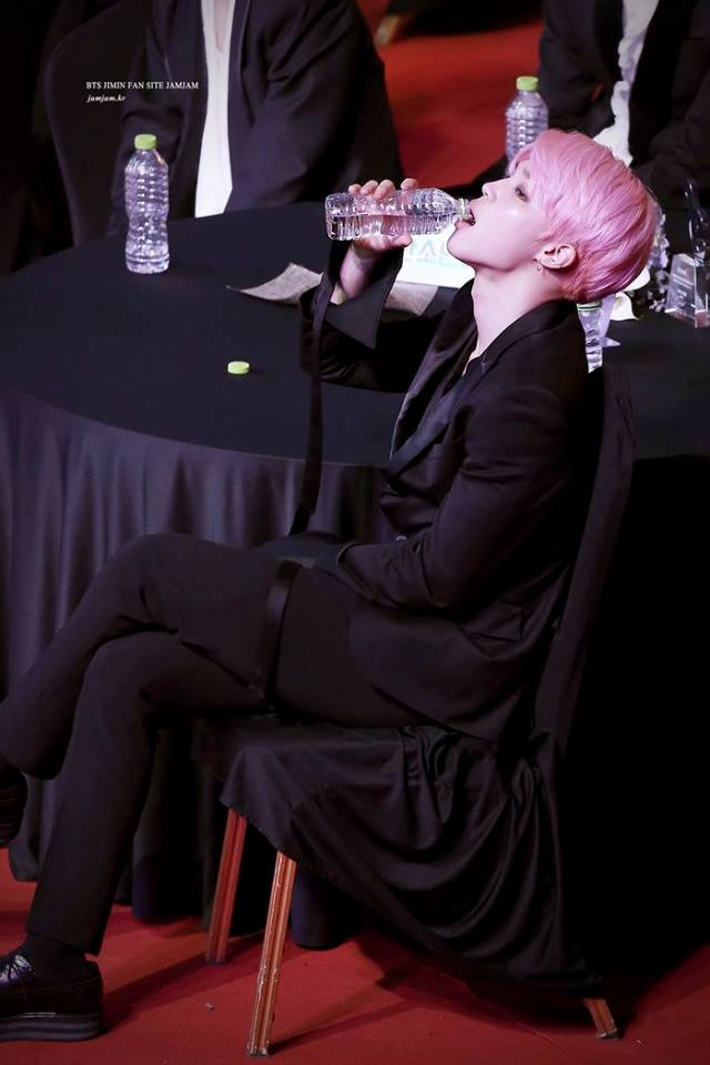 Tags: K-Pop, BTS, Park Jimin, Water, Drinking, Pink Hair, Black Jacket, Wide Sleeves, Bottle, Black Outerwear
