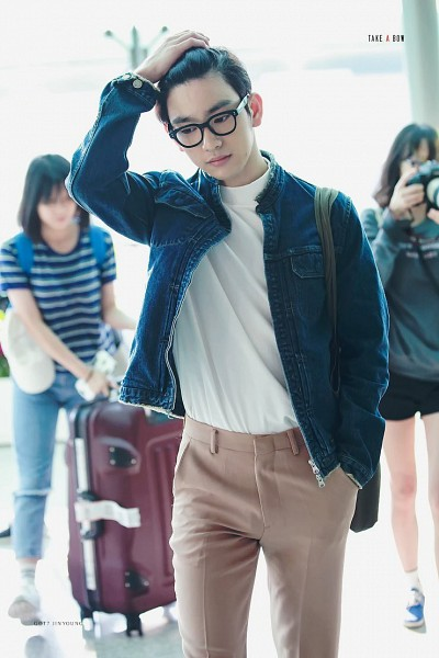 Tags: JYP Entertainment, K-Pop, Got7, Park Jinyoung (Junior), Airport