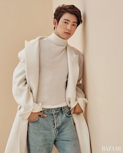 Tags: K-Pop, Got7, Park Jinyoung (Junior), Hand In Pocket, Turtleneck, Jeans, Brown Background, Blue Pants, Collar (Clothes), White Outerwear, Magazine Scan, Harper's Bazaar