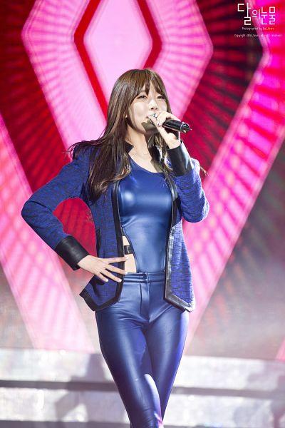 Tags: Happyface Entertainment, K-Pop, Dal Shabet, Park Subin, Leather Pants, Covering Mouth, Hand On Hip, Blue Jacket, Blue Outerwear, Blue Pants, Blue Shirt, Live Performance