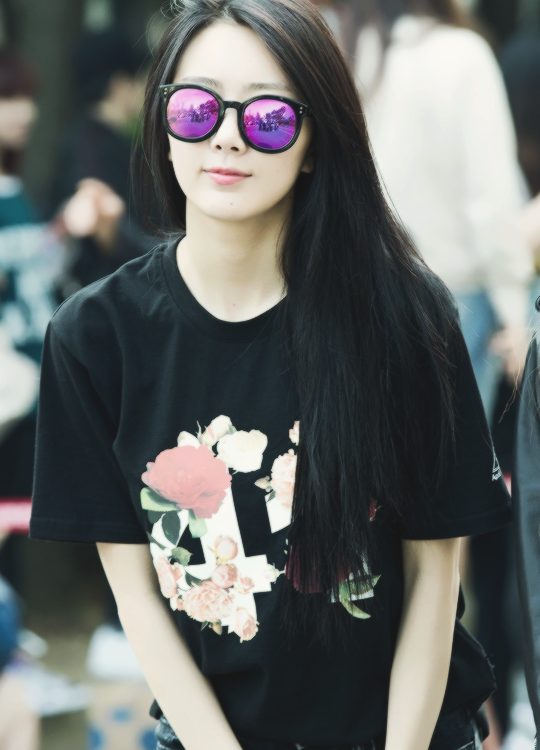 Tags: K-Pop, Dal Shabet, Park Subin, Glasses, Sunglasses, Covering Eyes