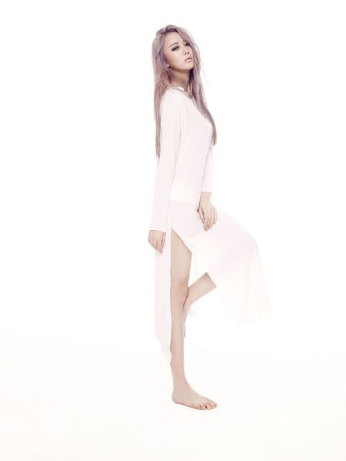 Tags: K-Pop, Dal Shabet, Park Subin, White Outfit, Standing On One Leg, Barefoot, Frown, White Dress, Hand On Leg, Leg Up