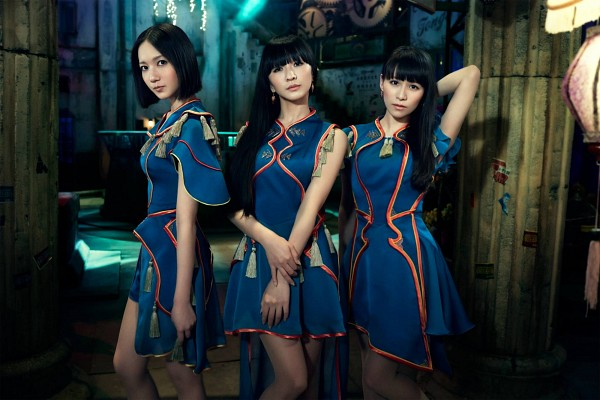 Tags: J-Pop, Perfume (Group), A-chan, Kashiyuka, Nocchi, Trio, Hand On Arm, Matching Outfit, Full Group, Sleeveless, Hand In Hair, Three Girls