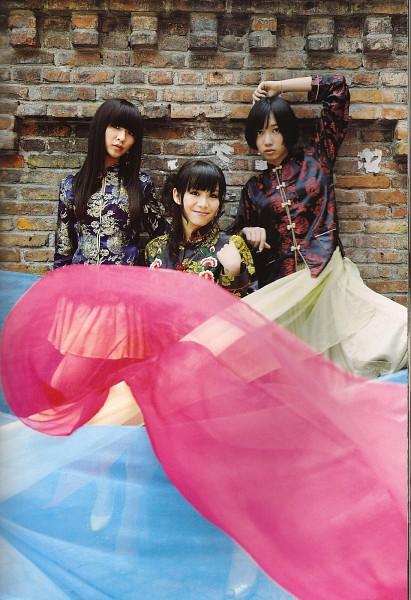 Tags: J-Pop, Perfume (Group), Nocchi, A-chan, Kashiyuka, Trio, Full Group, Wavy Hair, Three Girls, Traditional Clothes, High Heels, Brick Background