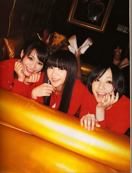 Tags: J-Pop, Perfume (Group), Nocchi, A-chan, Kashiyuka, Laying Down, Red Shirt, Full Group, Ponytail, High Heels, Chin In Hand, Three Girls