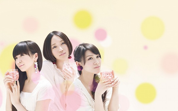 Tags: J-Pop, Perfume (Group), Kashiyuka, Nocchi, A-chan, Yellow Background, Wine Glass, Holding Object, Cup, Ponytail, Three Girls, Trio