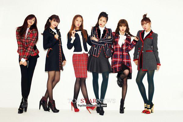 Tags: K-Pop, Apink, Yoon Bo-mi, Park Cho-rong, Jung Eun-ji, Kim Nam-joo, Oh Ha-young, Son Na-eun, High Heels, Crossed Legs (Standing), Checkered Jacket, Light Background