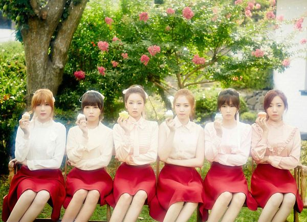 Tags: K-Pop, Apink, Kim Nam-joo, Oh Ha-young, Son Na-eun, Yoon Bo-mi, Park Cho-rong, Jung Eun-ji, Sitting, Tree, Flower, Red Skirt