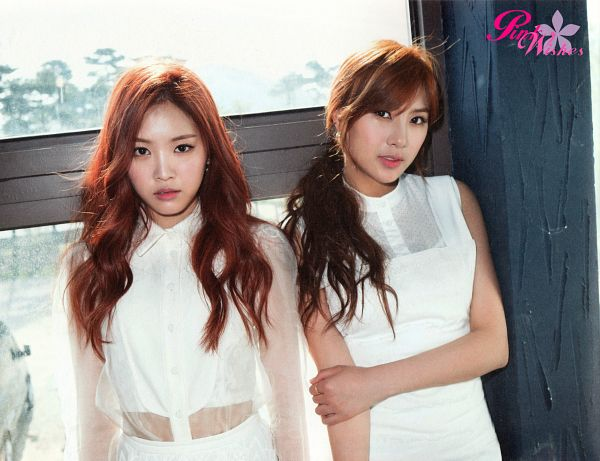 Tags: K-Pop, Apink, Son Na-eun, Oh Ha-young, Two Girls, White Dress, Duo, Wavy Hair, Window, Red Hair, White Outfit, Scan