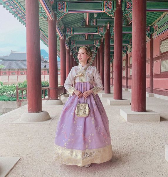 Tags: K-Pop, Pony, Traditional Clothes, Korean Clothes, Hanbok
