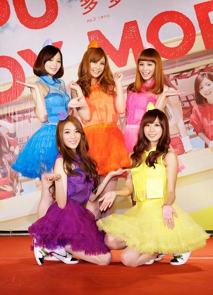 Tags: C-Pop, Popu Lady, More, Liu Yushan, Chen Tingxuan, Bao Er, Dayuan, Hongshi, Full Group, Red Hair, Purple Outfit, Quintet