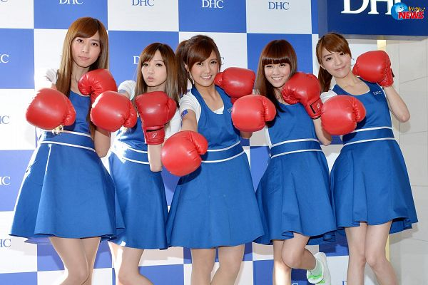 Tags: C-Pop, Popu Lady, Bao Er, Dayuan, Hongshi, Liu Yushan, Chen Tingxuan, Quintet, Full Group, Ponytail, Blue Dress, Group
