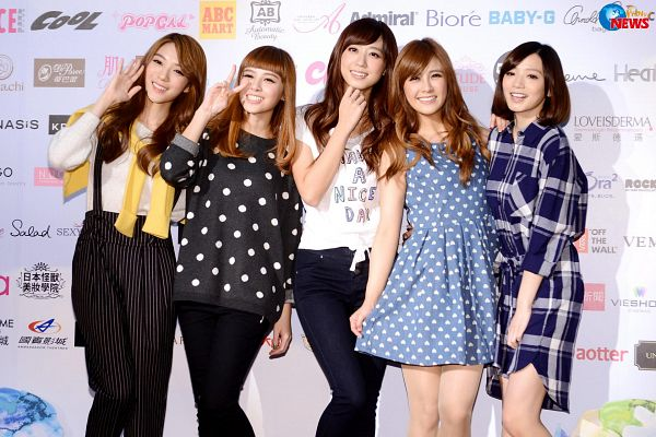 Tags: C-Pop, Popu Lady, Dayuan, Hongshi, Liu Yushan, Chen Tingxuan, Bao Er, Five Girls, Full Group, Checkered, Quintet, Blue Dress