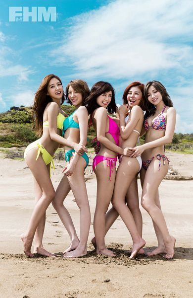 Tags: C-Pop, Popu Lady, Bao Er, Dayuan, Hongshi, Liu Yushan, Chen Tingxuan, Beach, Bikini, Full Group, Swimsuit, Suggestive