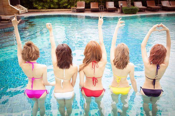 Tags: C-Pop, Popu Lady, Chen Tingxuan, Bao Er, Dayuan, Hongshi, Liu Yushan, In Water, Bikini, Water, One Arm Up, Suggestive