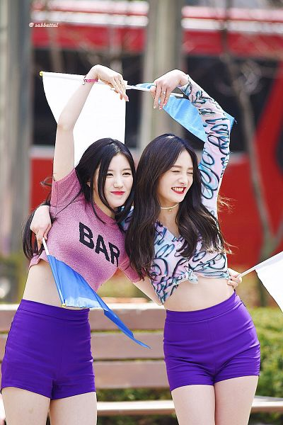 Tags: K-Pop, Pristin, Zhou Jieqiong, Xiyeon, Heart Gesture, Two Girls, Shorts, Duo, Flag, Purple Shorts, Hug, Holding Close