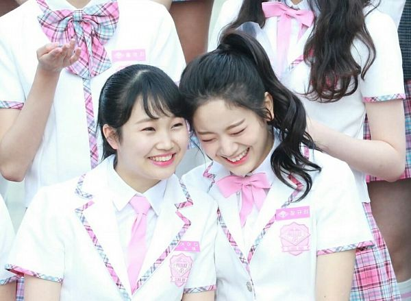 Tags: Television Show, J-Pop, K-Pop, fromis 9, NGT48, Jang Gyuri, Yamada Noe, Duo, Ponytail, Pink Bow, White Outerwear, Matching Outfit